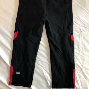 All Yoga Pants - Black/Red - 3/4 Length - Size 4
